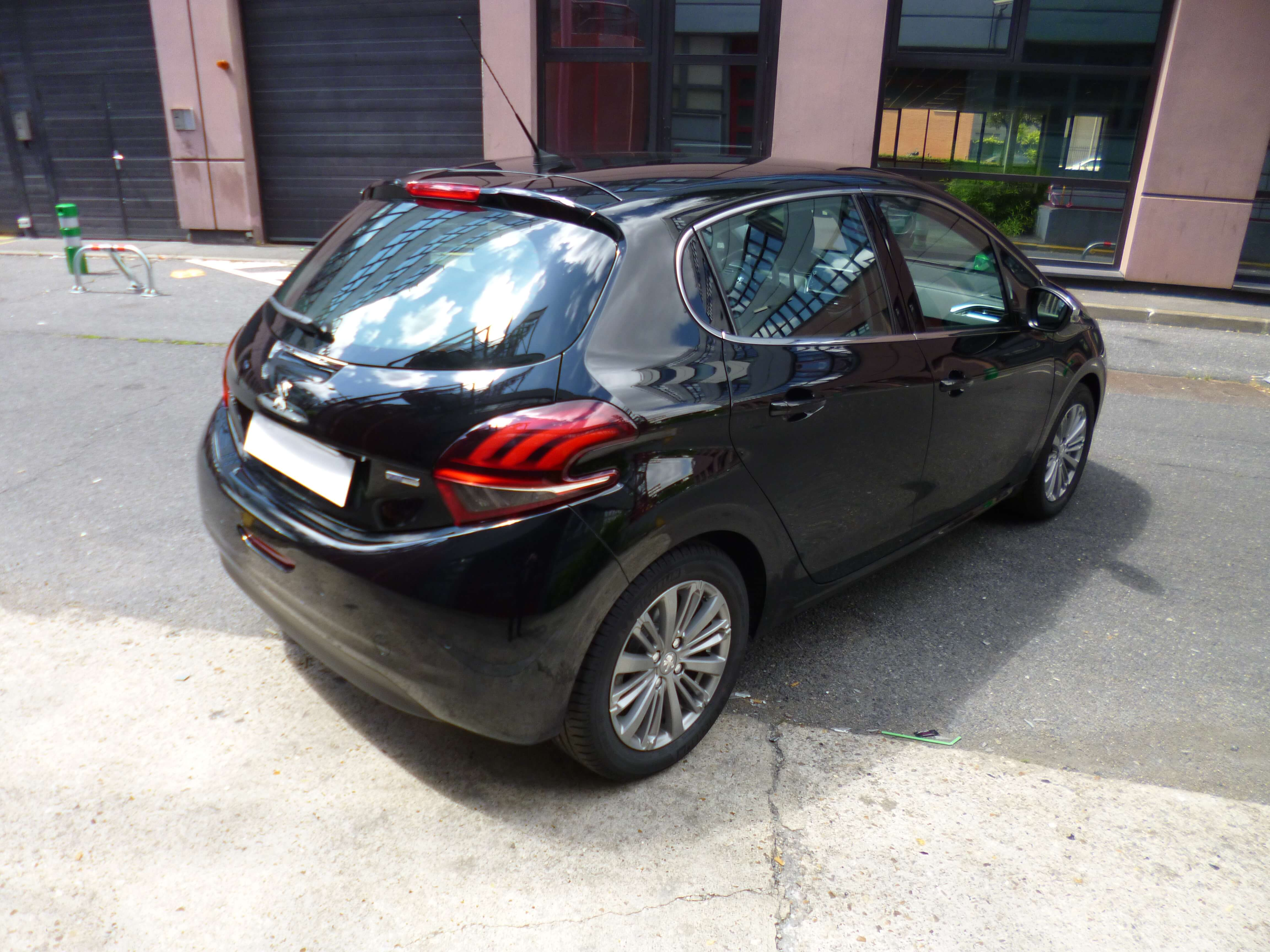 Photo 2   voiture d'occasion labellisée PEUGEOT 208